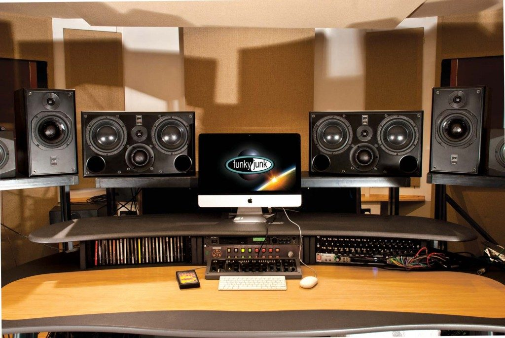 10 Reference Monitors